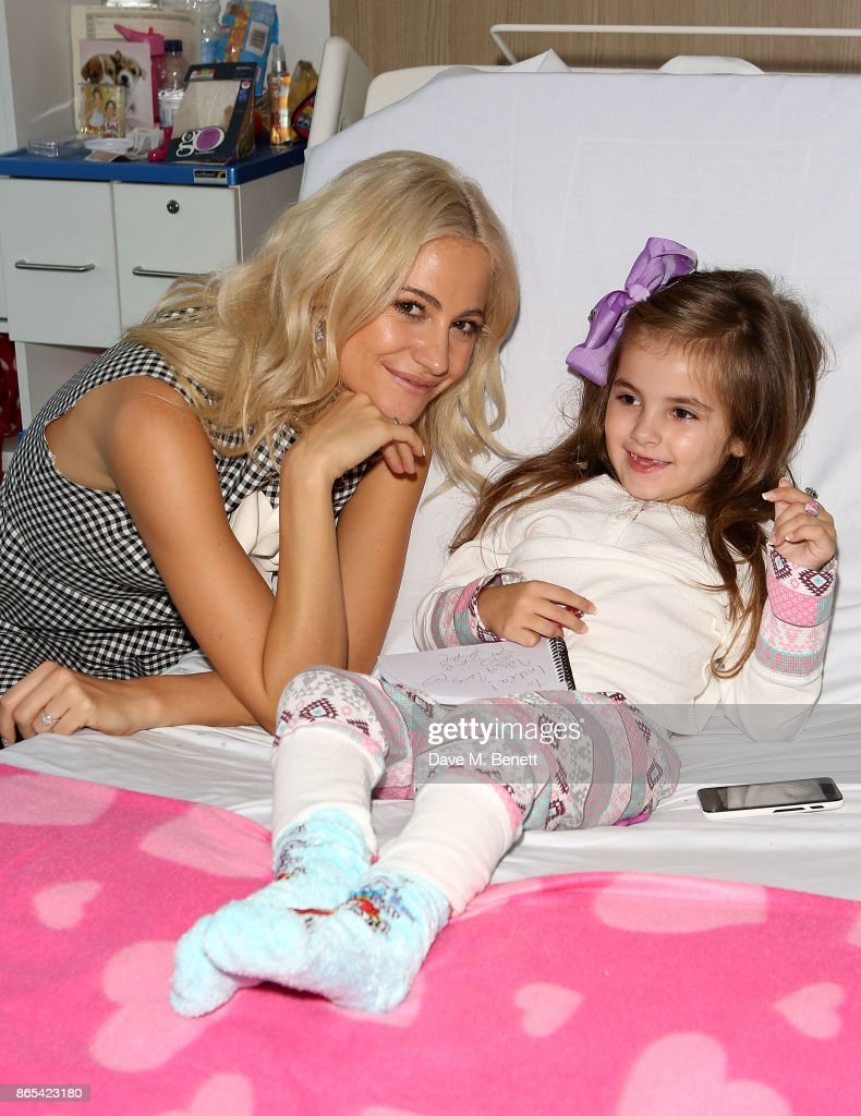 Pixie Lott visits Alder Hey Children's Hospital