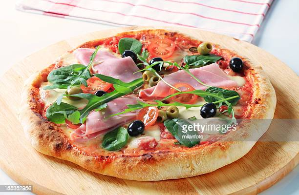 Pizza ham and olives