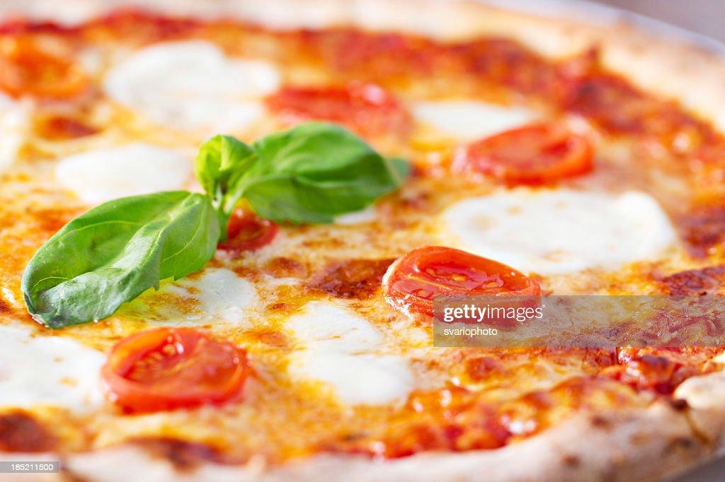 Pizza margherita : Stock Photo