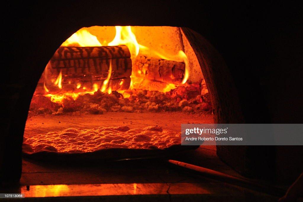 Pizza Oven : Stock Photo
