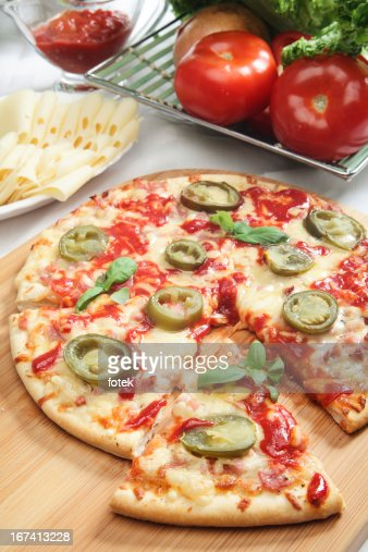 Pizza mit jalapeno : Stock-Foto
