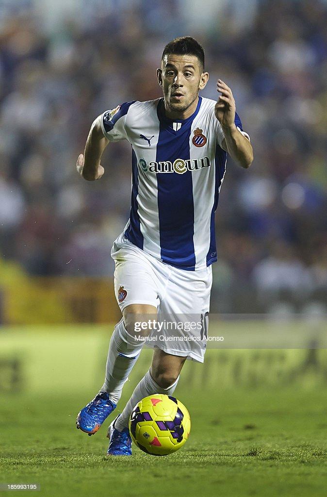 Pizzi of Espanyol runs with the ball during the La Liga match between Levante UD and RCD Espanyol at Estadio Ciutat de Valencia on October 26, 2013 in Valencia, Spain