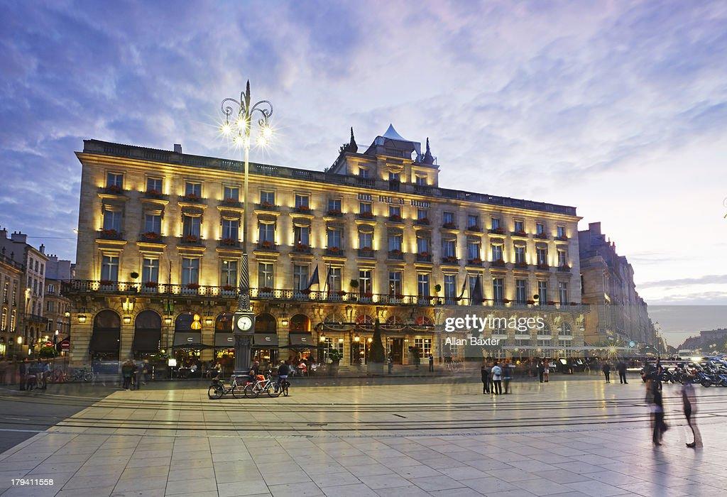 'Place de la Comedie' at dusk in Bordeaux