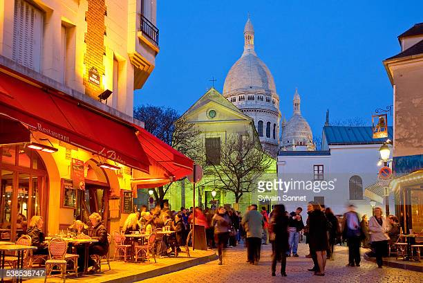 Place du Tertre with basilica of the Sacre Coeur