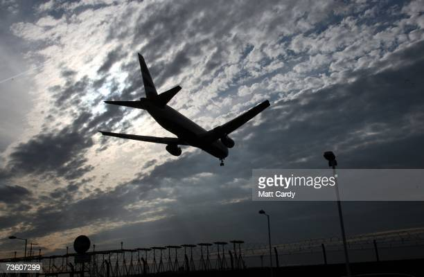 A plane comes into land at Heathrow Airport on March 16 2007 in London A US government agency has announced that winter in the Northern Hemisphere...