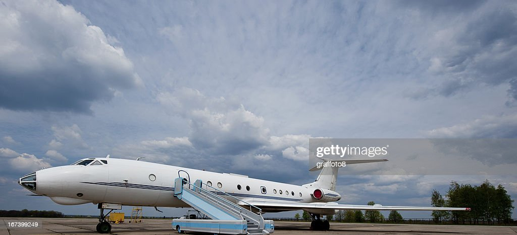 plane waiting for travelers : Stock Photo
