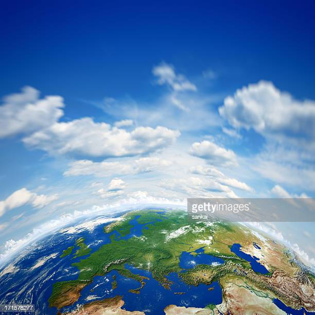 Bellissimo pianeta Terra e blu cielo