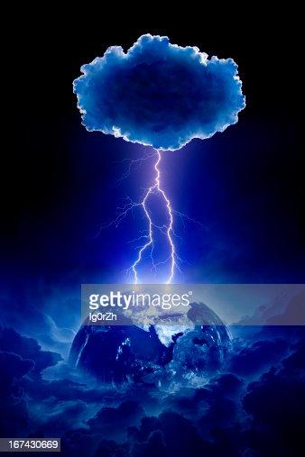 Planeta tierra parta un rayo : Foto de stock
