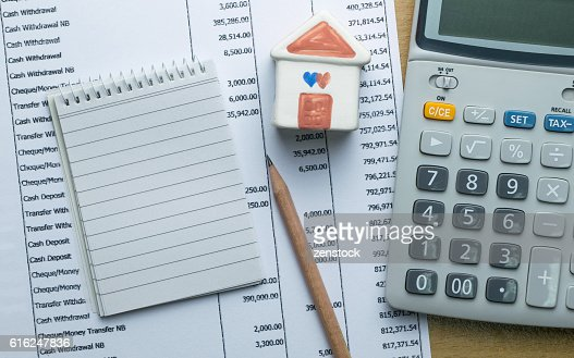 Planning monthly budget, Finance about house concept : Foto de stock