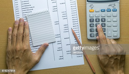 Planning monthly budget or account expenses : Foto de stock