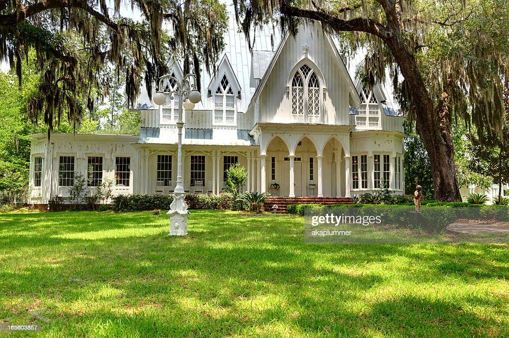 Plantation Mansion