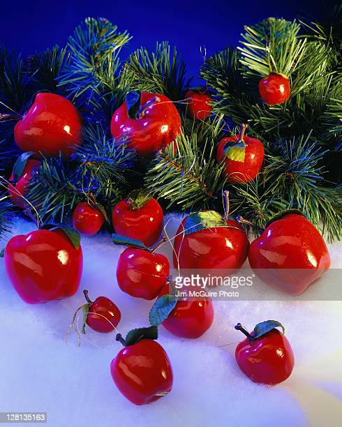HOLCE070 Plastic apple Christmas tree ornaments
