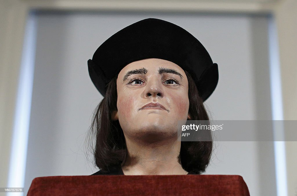 A plastic facial model made from the recently discovered skull of England's King Richard III, is pictured during a press conference in London, on February 5, 2013. The face of England's King Richard III was revealed for the first time in more than 500 years on Tuesday following a reconstruction of his skeleton found underneath a carpark. AFP PHOTO / JUSTIN TALLIS