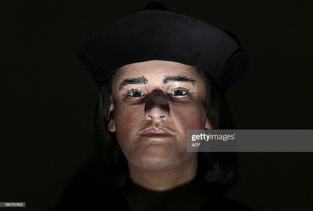 A plastic facial model made from the recently discovered skull of England's King Richard III, is pictured during a press conference in London, on February 5, 2013. The face of England's King Richard III was revealed for the first time in more than 500 years on Tuesday following a reconstruction of his skeleton found underneath a carpark.