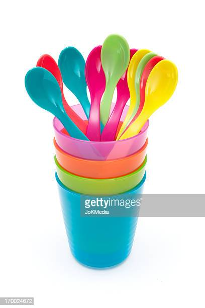 Cuillères et Gobelets en plastique