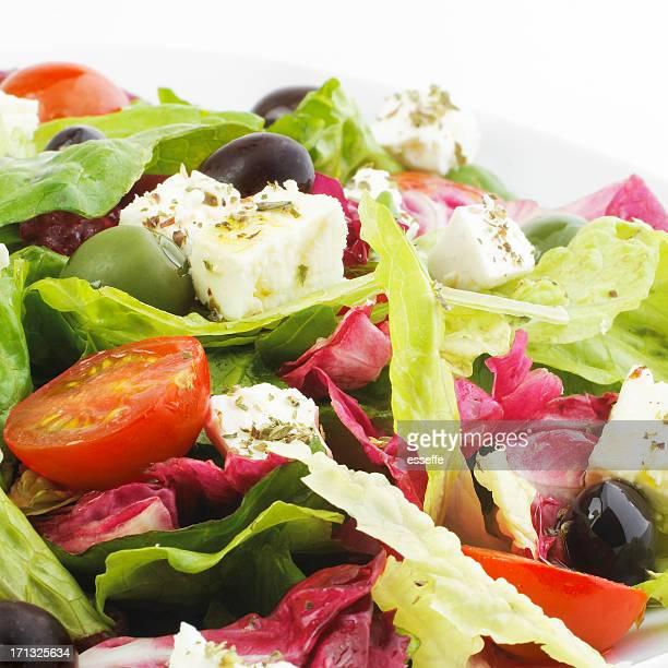 Assiette de salade grecque, féta, olives, de tomates