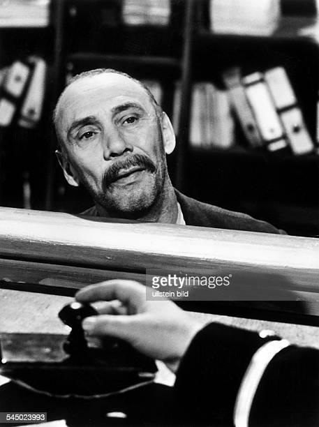 Platte Rudolf *Schauspieler D als 'Hauptmann von Koepenick' Fernsehfilm 1960