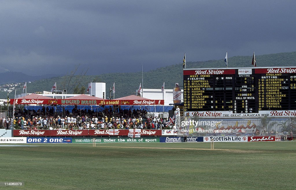Play ends early during the 1st Test match between the West Indies and England at Sabina Park in Kingston 29th January 1998 The umpires decided that...