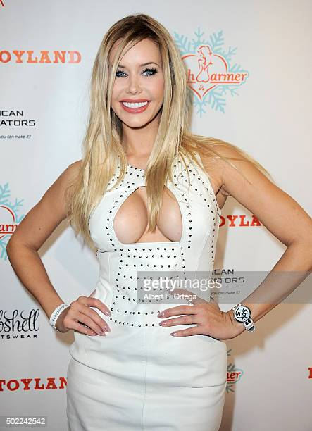 Playboy Playmate Kennedy Summers arrives for the 2015 Babes In Toyland And BenchWarmer Charity Toy Drive held at Avalon on December 9 2015 in...