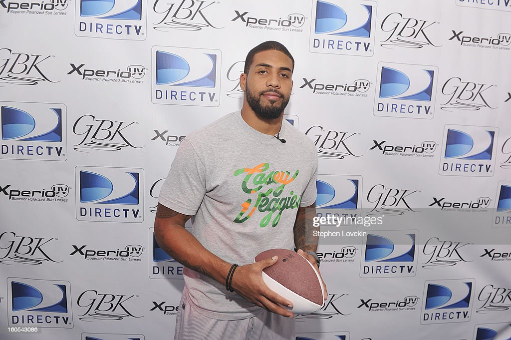 NFL player <a gi-track='captionPersonalityLinkClicked' href=/galleries/search?phrase=Arian+Foster&family=editorial&specificpeople=2128663 ng-click='$event.stopPropagation()'>Arian Foster</a> attends GBK and DirecTV Celebrity Beach Bowl Thank You Lounge at DTV SuperFan Stadium at Mardi Gras World on February 2, 2013 in New Orleans, Louisiana.