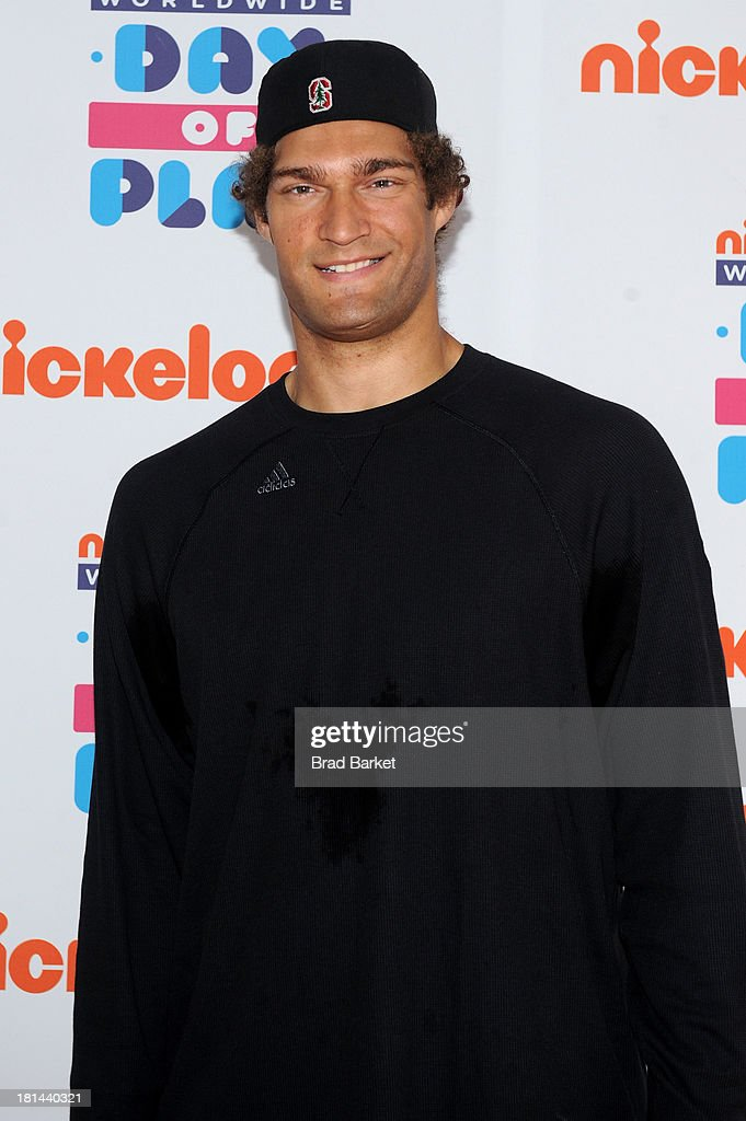 Nickelodeon 10th Annual Worldwide Day of Play - Orange Carpet