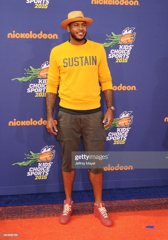 NBA player <a gi-track='captionPersonalityLinkClicked' href=/galleries/search?phrase=Carmelo+Anthony&family=editorial&specificpeople=201494 ng-click='$event.stopPropagation()'>Carmelo Anthony</a> arrives at the Nickelodeon Kids' Choice Sports Awards 2015 at UCLA's Pauley Pavilion on July 16, 2015 in Westwood, California.