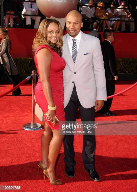 NBA player Derek Fisher with wife Kristin Fisher arrives at the 2010 ESPY Awards at Nokia Theatre LA Live on July 14 2010 in Los Angeles California