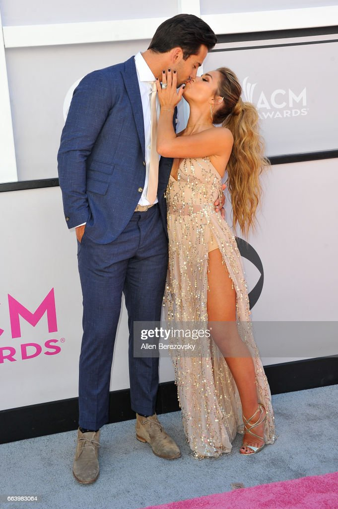 Player Eric Decker and Jessie James Decker arrive at the 52nd Academy Of Country Music Awards on April 2, 2017 in Las Vegas, Nevada.