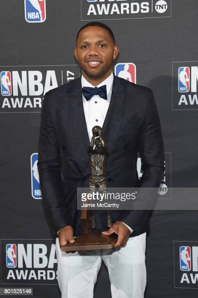 NBA player Eric Gordon poses with the Kia NBA Sixth Man Award at the 2017 NBA Awards live on TNT on June 26 2017 in New York New York 27111_003