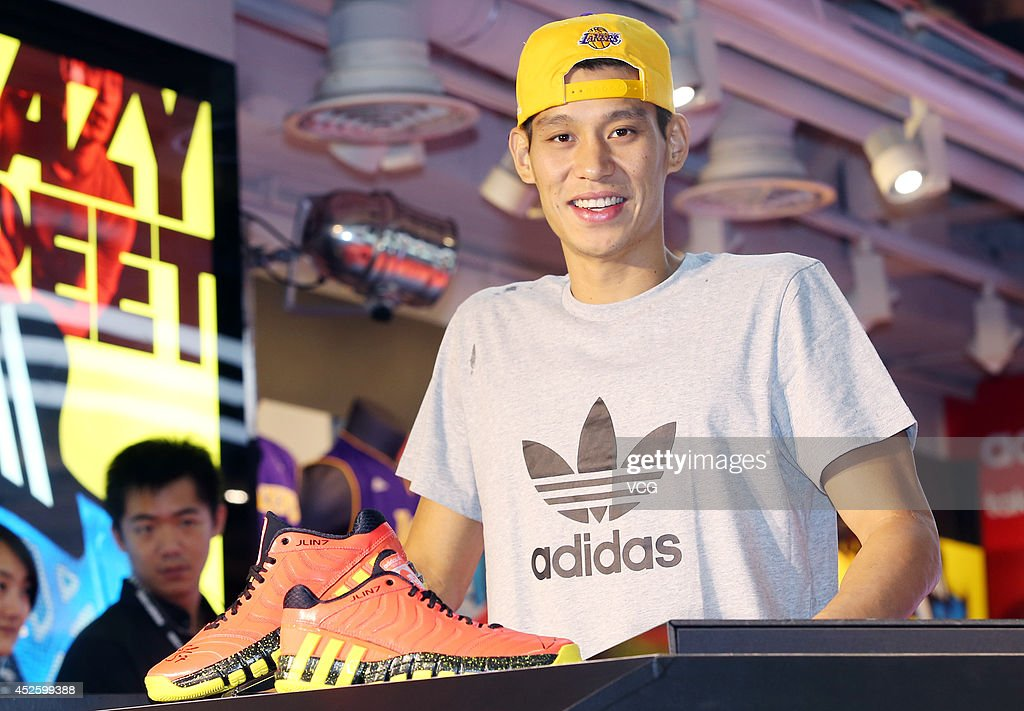 NBA player <a gi-track='captionPersonalityLinkClicked' href=/galleries/search?phrase=Jeremy+Lin&family=editorial&specificpeople=6669516 ng-click='$event.stopPropagation()'>Jeremy Lin</a> of Los Angeles Lakers meets fans at Adidas flagship store on July 23, 2014 in Taipei, Taiwan.