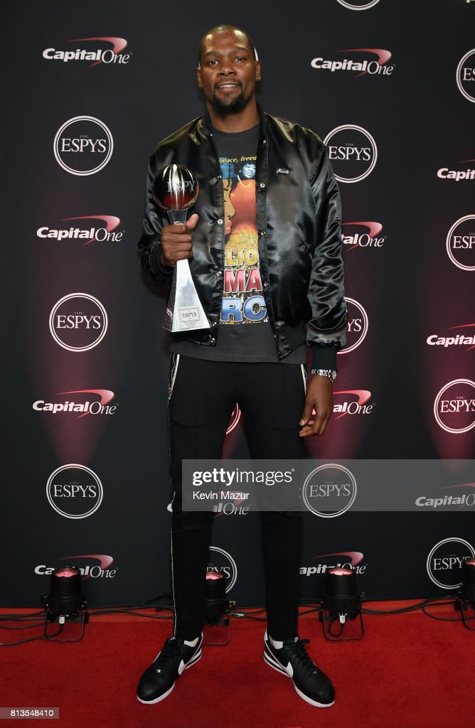 NBA player Kevin Durant, winner of the Best Championship Performance award, attends The 2017 ESPYS at Microsoft Theater on July 12, 2017 in Los Angeles, California.