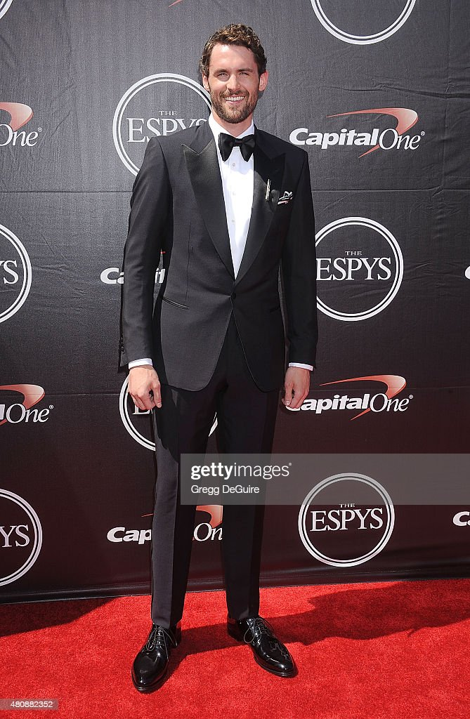 NBA player <a gi-track='captionPersonalityLinkClicked' href=/galleries/search?phrase=Kevin+Love&family=editorial&specificpeople=4212726 ng-click='$event.stopPropagation()'>Kevin Love</a> arrives at The 2015 ESPYS at Microsoft Theater on July 15, 2015 in Los Angeles, California.