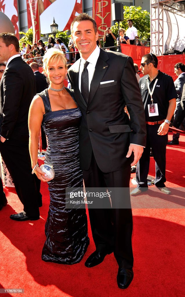 NFL player Kurt Warner and wife Brenda arrive on the red carpet at the 17th annual ESPY Awards held at Nokia Theatre LA Live on July 15 2009 in Los...