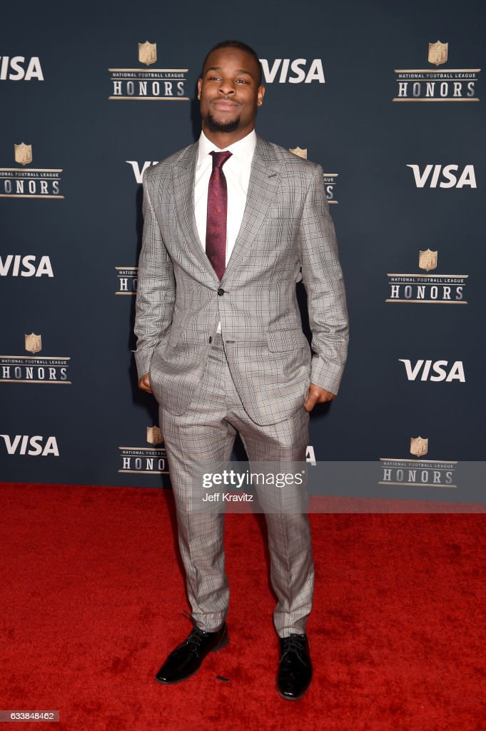 NFL player Le'Veon Bell attends 6th Annual NFL Honors at Wortham Theater Center on February 4, 2017 in Houston, Texas.