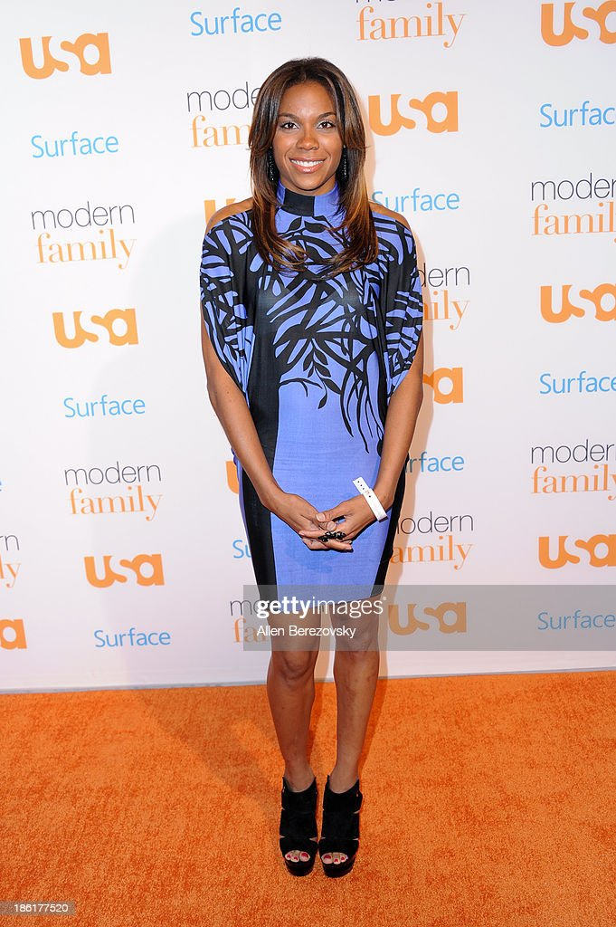 WNBA player Lindsey Harding arrives at the 'Modern Family' Fan Appreciation Day hosted by USA Network at Westwood Village on October 28, 2013 in Los Angeles, California.