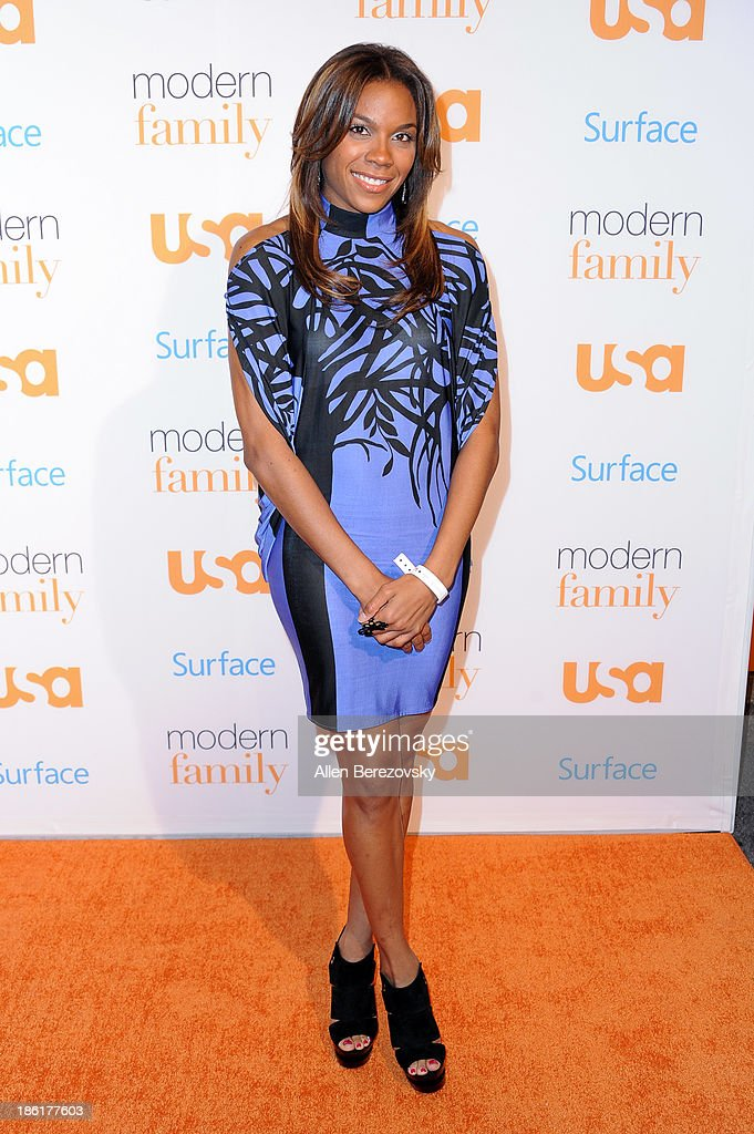 WNBA player <a gi-track='captionPersonalityLinkClicked' href=/galleries/search?phrase=Lindsey+Harding&family=editorial&specificpeople=704302 ng-click='$event.stopPropagation()'>Lindsey Harding</a> arrives at the 'Modern Family' Fan Appreciation Day hosted by USA Network at Westwood Village on October 28, 2013 in Los Angeles, California.