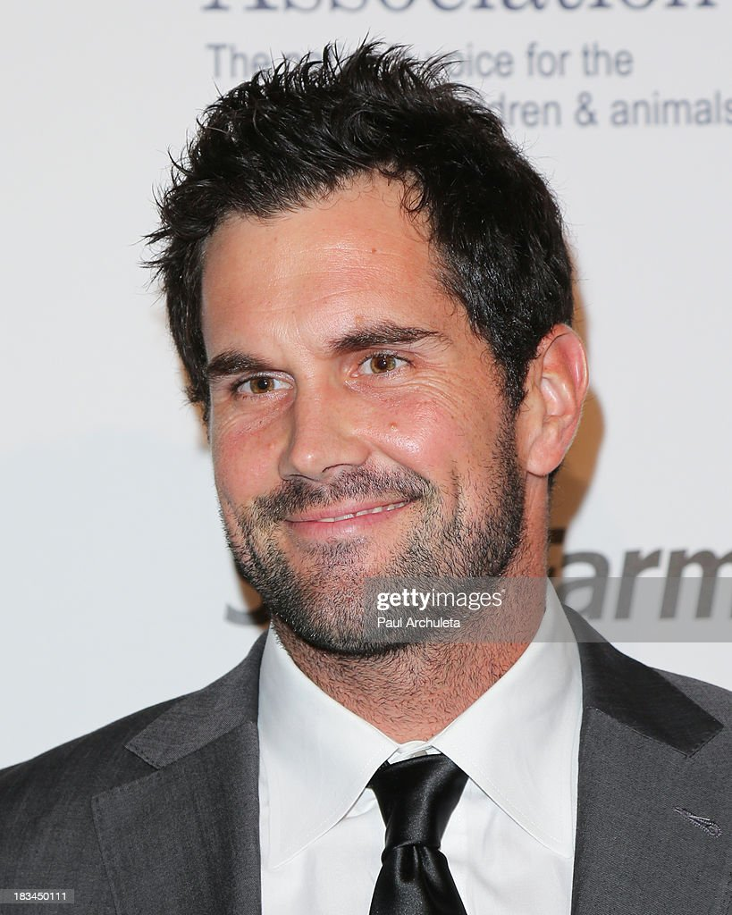 Player <a gi-track='captionPersonalityLinkClicked' href=/galleries/search?phrase=Matt+Leinart&family=editorial&specificpeople=171669 ng-click='$event.stopPropagation()'>Matt Leinart</a> attends the 3rd annual American Humane Association Hero Dog Awards at The Beverly Hilton Hotel on October 5, 2013 in Beverly Hills, California.