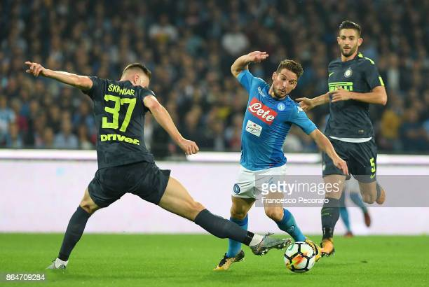 Player of SSC Napoli Dries Mertens vies with FC Internazionale player Milan Skriniar during the Serie A match between SSC Napoli and FC...