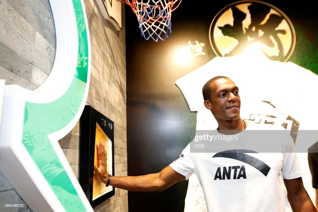 NBA player <a gi-track='captionPersonalityLinkClicked' href=/galleries/search?phrase=Rajon+Rondo&family=editorial&specificpeople=206983 ng-click='$event.stopPropagation()'>Rajon Rondo</a> attends a fan meeting during his China Tour on August 31, 2014 in Xiamen, Fujian province of China.