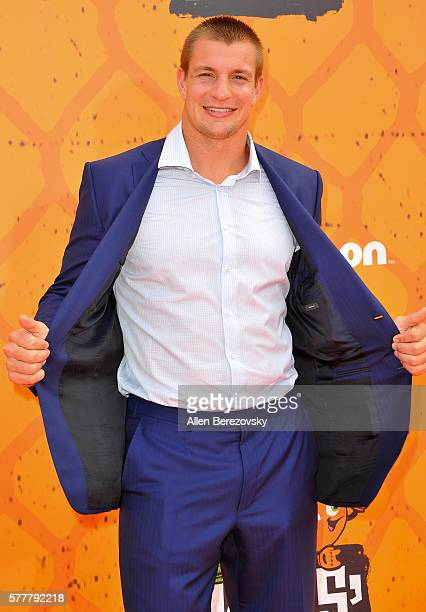 NFL player Rob Gronkowski arrives at the Nickelodeon Kids' Choice Sports Awards 2016 at UCLA's Pauley Pavilion on July 14 2016 in Westwood California