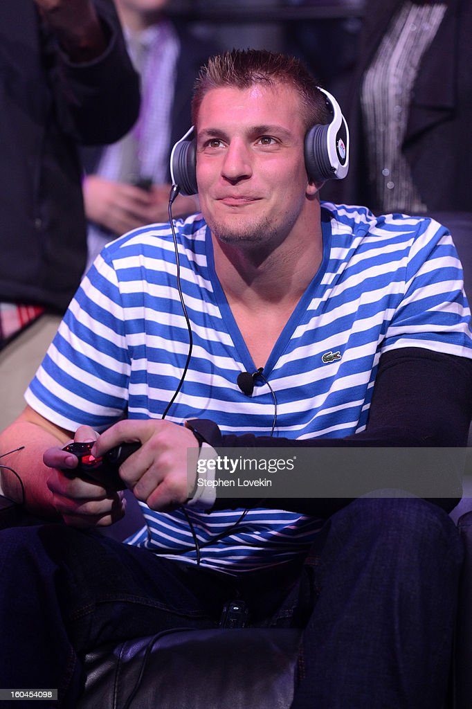 NFL player <a gi-track='captionPersonalityLinkClicked' href=/galleries/search?phrase=Rob+Gronkowski&family=editorial&specificpeople=5534525 ng-click='$event.stopPropagation()'>Rob Gronkowski</a> of the New England Patriots attends EA SPORTS Madden Bowl XIX at the Bud Light Hotel on January 31, 2013 in New Orleans, Louisiana.
