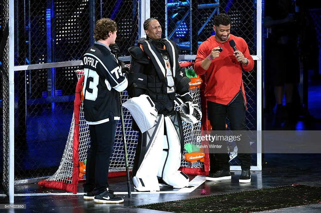 Nhl player tyler toffoli tv personality nick cannon and host russell