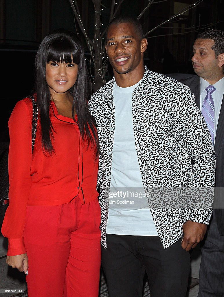 Player <a gi-track='captionPersonalityLinkClicked' href=/galleries/search?phrase=Victor+Cruz+-+American+Football+Player&family=editorial&specificpeople=8736842 ng-click='$event.stopPropagation()'>Victor Cruz</a> (R) and guest attend The Cinema Society and Men's Fitness screening of 'Pain and Gain' at Crosby Street Hotel on April 15, 2013 in New York City.