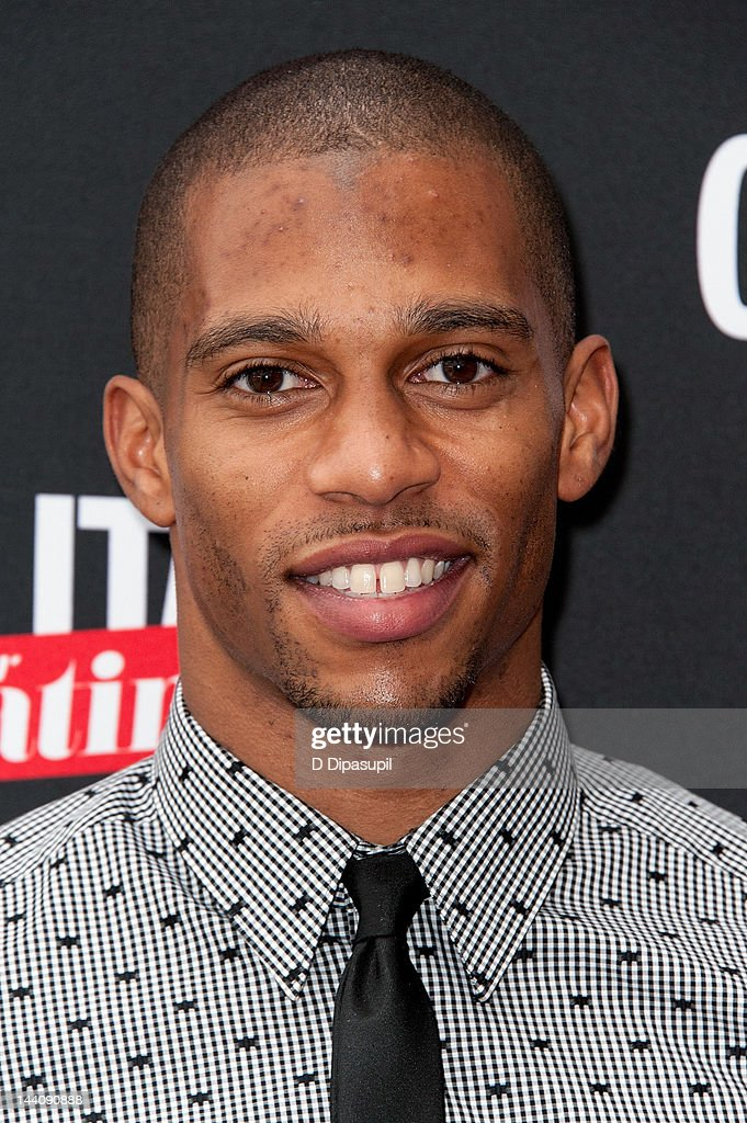 NFL player <a gi-track='captionPersonalityLinkClicked' href=/galleries/search?phrase=Victor+Cruz+-+American+Football+Player&family=editorial&specificpeople=8736842 ng-click='$event.stopPropagation()'>Victor Cruz</a> attends the Cosmopolitan For Latina's Premiere Issue Party at Press Lounge at Ink48 on May 9, 2012 in New York City.