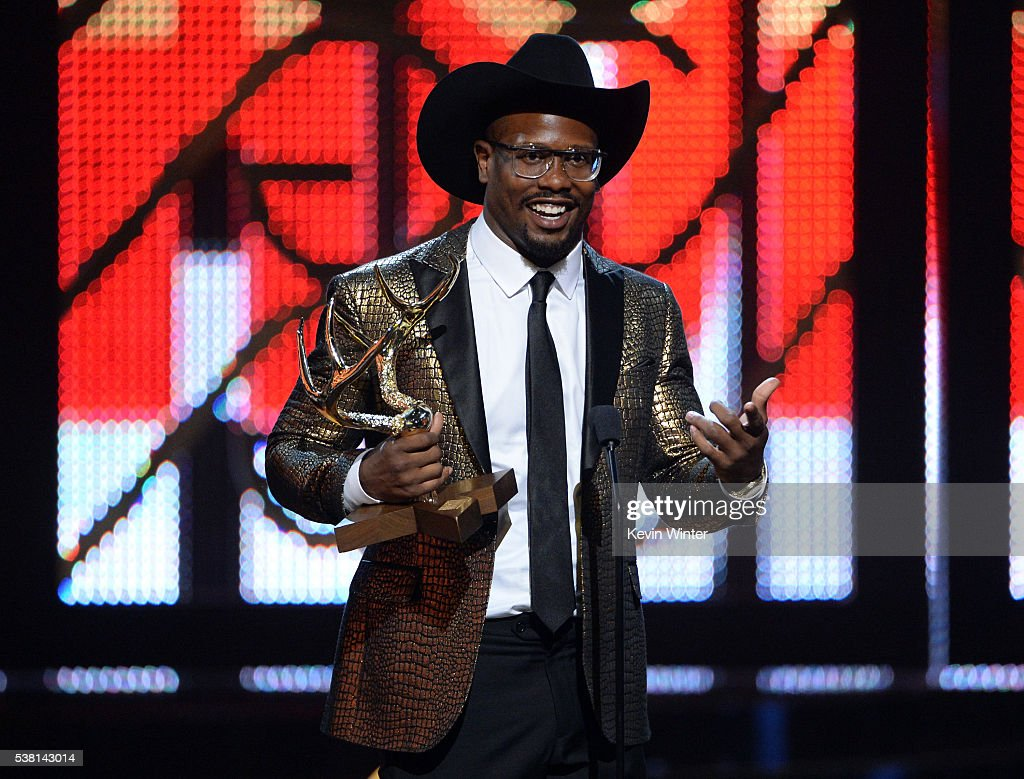 NFL player <a gi-track='captionPersonalityLinkClicked' href=/galleries/search?phrase=Von+Miller&family=editorial&specificpeople=7125735 ng-click='$event.stopPropagation()'>Von Miller</a> accepts the Most Unstoppable Jock award onstage during Spike TV's 10th Annual Guys Choice Awards at Sony Pictures Studios on June 4, 2016 in Culver City, California.