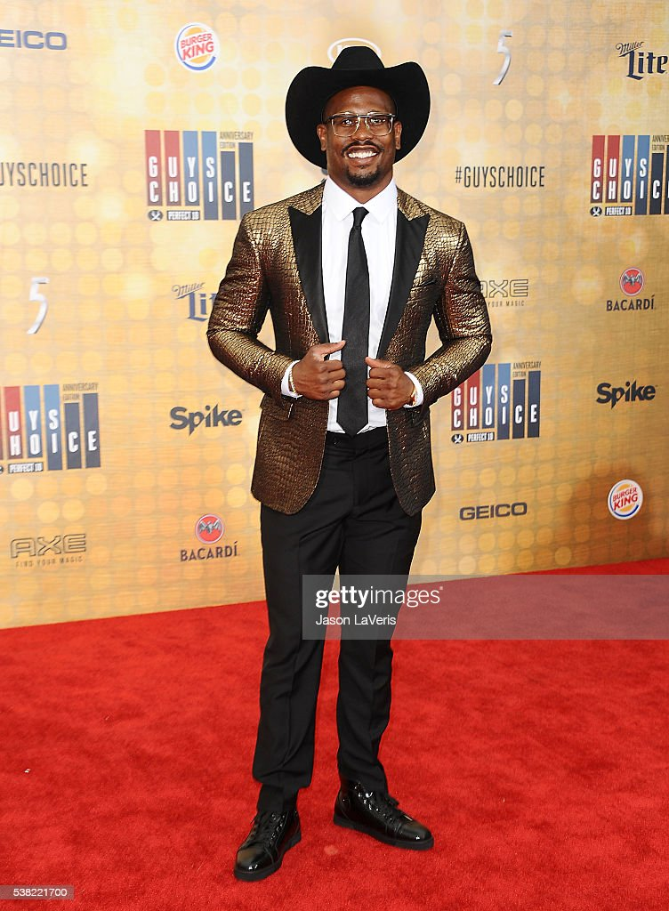 NFL player <a gi-track='captionPersonalityLinkClicked' href=/galleries/search?phrase=Von+Miller&family=editorial&specificpeople=7125735 ng-click='$event.stopPropagation()'>Von Miller</a> attends Spike TV's Guys Choice 2016 at Sony Pictures Studios on June 4, 2016 in Culver City, California.