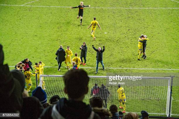 Players and Joel Cedergren head coach of GIF Sundsvall celebrates after the victory during the Allsvenskan match between IFK Goteborg and GIF...