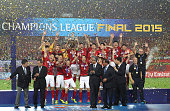 Players and the team of Guangzhou Evergrande celebrate with trophy after winning the Asian Champions League Final 2nd leg Match between Guangzhou...