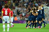 US players celebrate winning gold against Japan during the final of the women's football competition of the London 2012 Olympic Games USA vs Japan on...