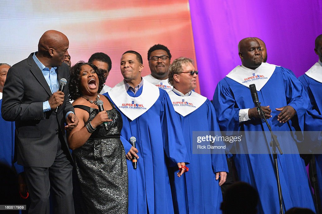 Players Choir featuring Jingle Dreams winners, Donnie McClurkin (L) and Kirk Franklin perform with television personality Sherri Shepherd during the Super Bowl Gospel 2013 Show at UNO Lakefront Arena on February 1, 2013 in New Orleans, Louisiana.
